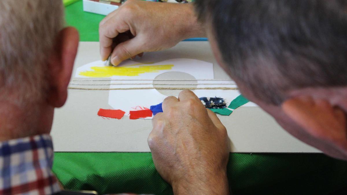 Imagen de archivo de un taller de arteterapia.