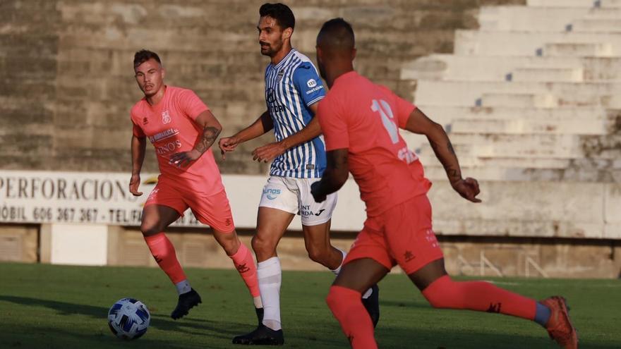El Poblense sonroja al Atlético Baleares