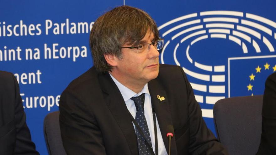 Puigdemont treballa per visitar els presos independentistes amb un grup d'eurodiputats el 23 i 24 de febrer