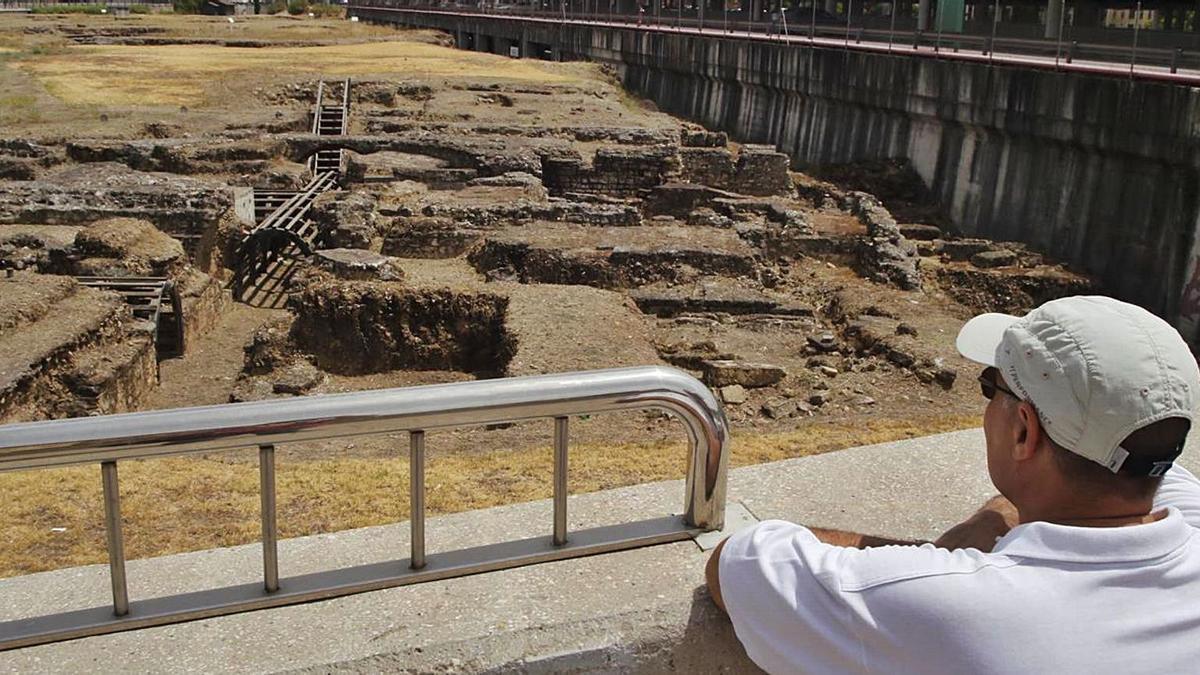 Parte de los restos arqueológicos del yacimiento de Cercadilla.   A.J. GONZÁLEZ