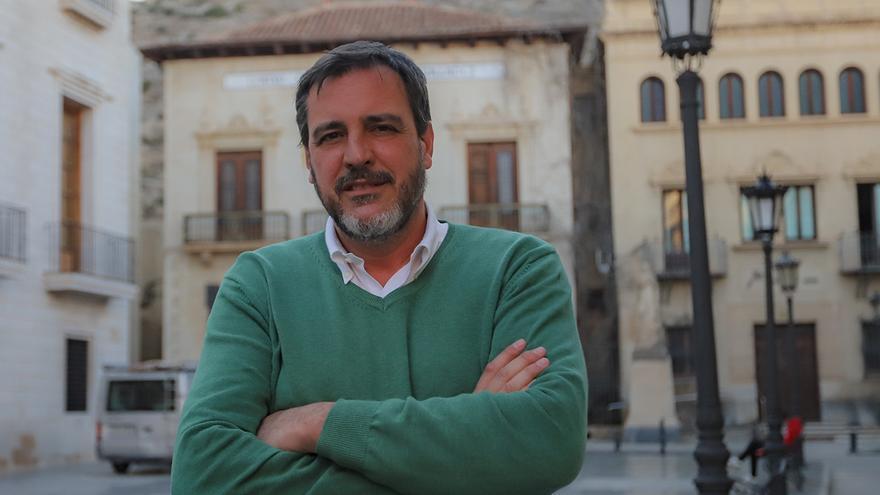 Juan Ignacio López-Bas: «No echaré de menos a Cantó, que se va al partido que criticaba por la corrupción»