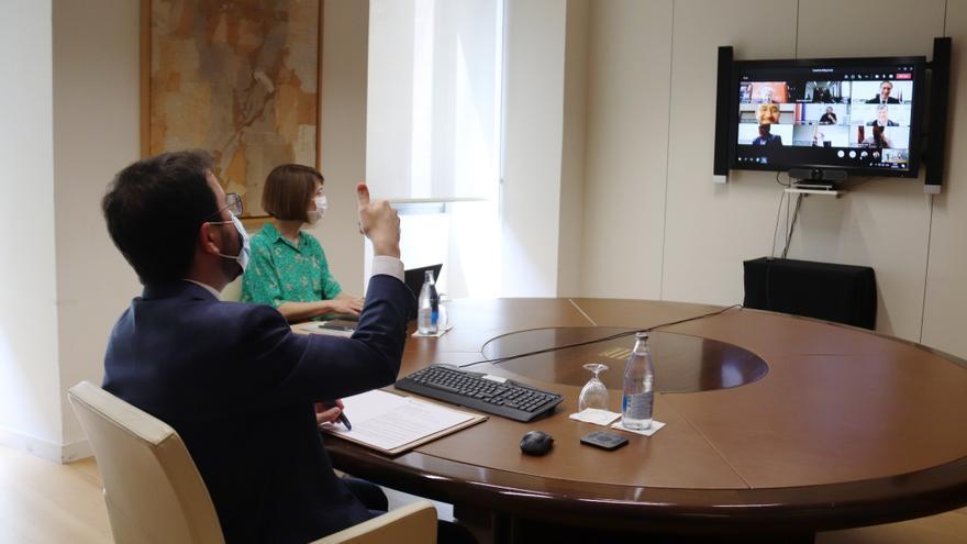 Aragonès reuneix el Consell de Diàleg Social per tractar el repartiment dels ajuts directes als sectors més afectats