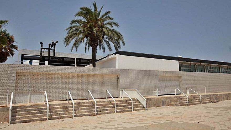 Ibiza mantiene el pulso del verano sin discotecas