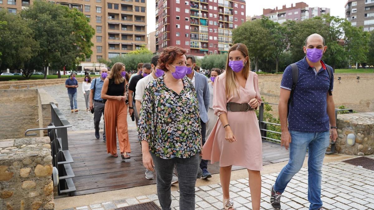 El grupo de Podemos entra en las Cortes encabezado por Maru Díaz.