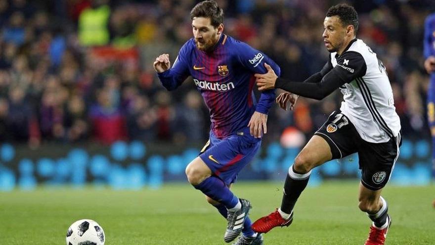 El Barça empata a Mestalla i perd el lideratge