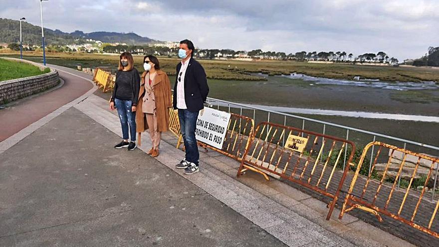 Costas reparará el tramo hundido del paseo de Baiona este verano