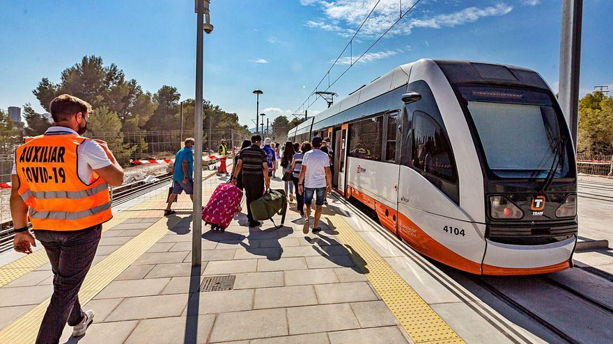 FGV restablece el TRAM entre Benidorm y La Vila tras más de un mes llevando a los viajeros en bus
