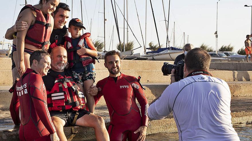 «Bombers amb causa» tria Figueres  i Roses per il·lustrar el calendari 2022