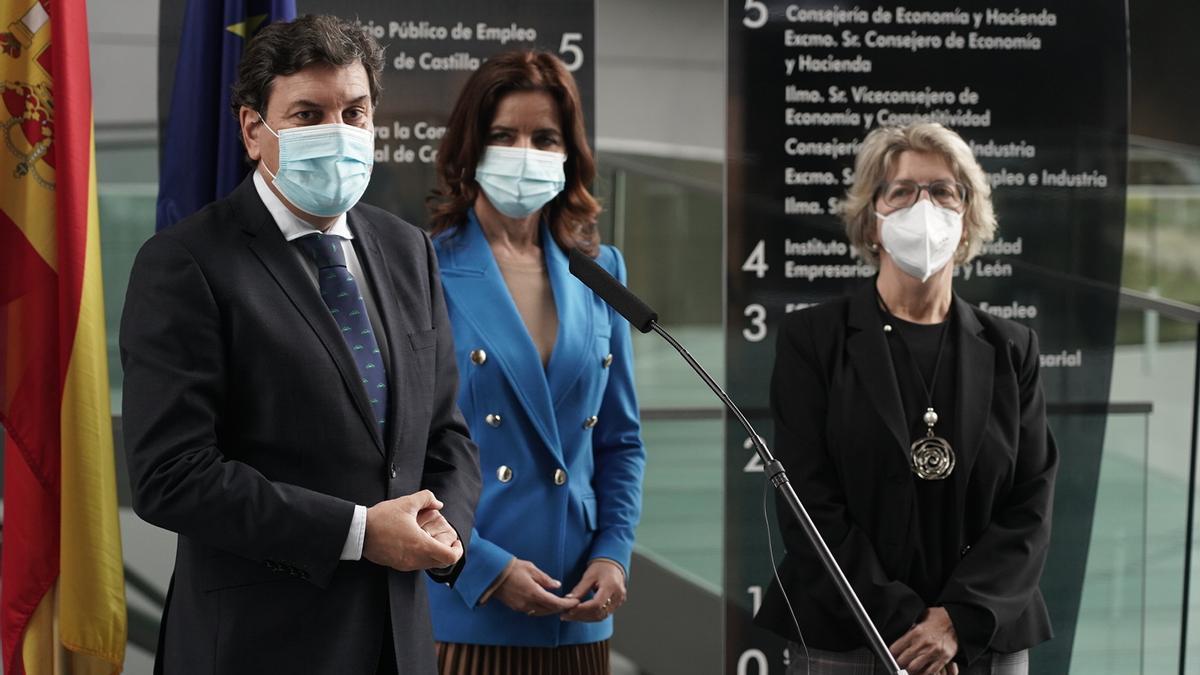 Carriedo, junto a Carlota Amigo, durante la presentación del IV Plan de Internacionalización Empresarial.