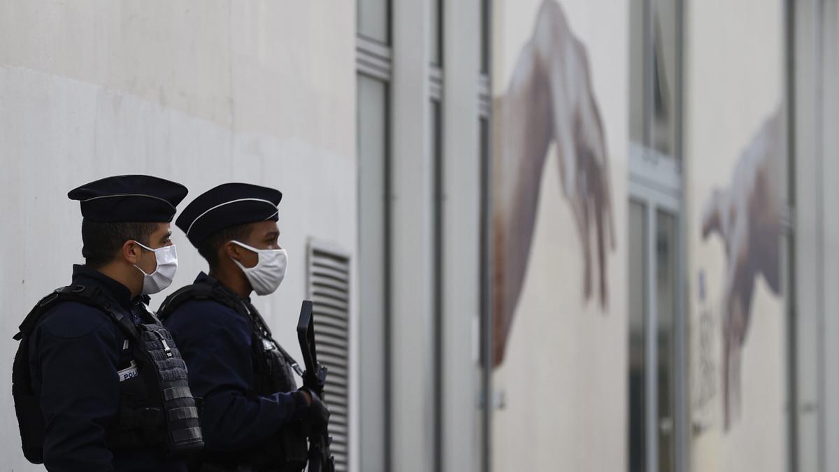 Dos agentes de la Policía francesa, en una imagen de archivo