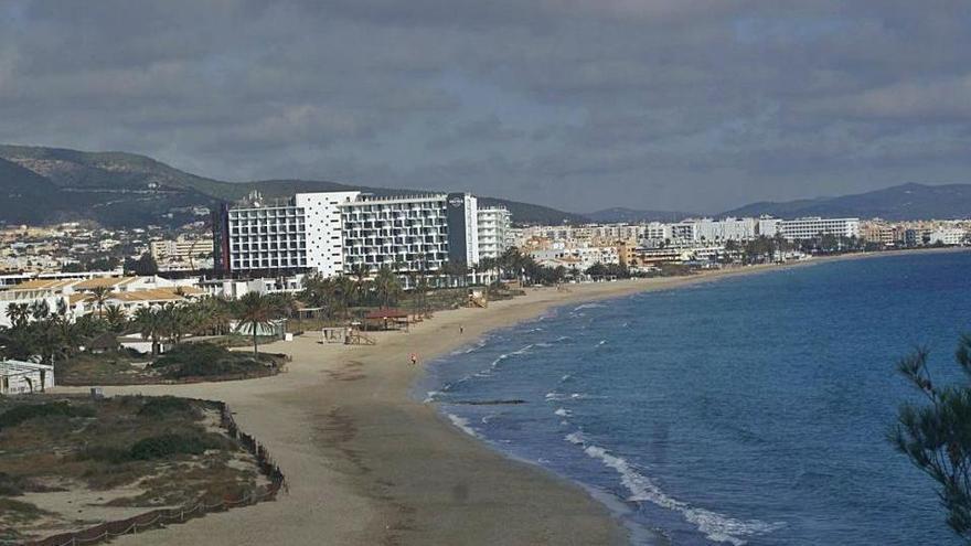 Sant Josep rechaza  instalar fondeos para yates de gran eslora en Platja d'en Bossa