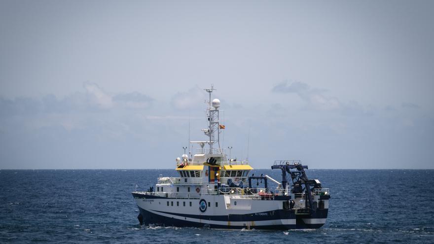El 'Ángeles Alvariño' seguirá unos días más de búsqueda en Tenerife