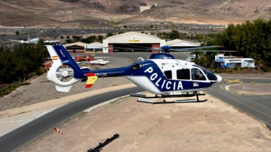 La Policía Nacional se suma a la lucha contra el incendio