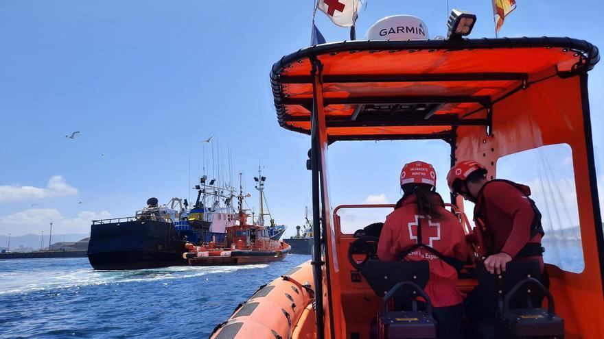 Así trabaja la Cruz Roja del Mar, que celebra sus 50 años de voluntariado