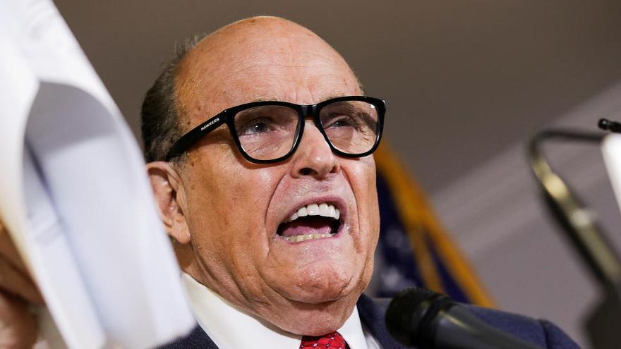 Rudy Giuliani, abogado de Trump, positivo en coronavirus