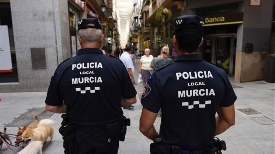 La Policía interpone 36 denuncias por botelleo el primer día de la Feria de Murcia
