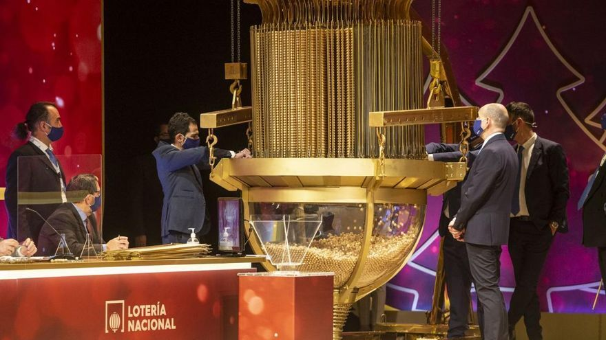 El tercer premio de la Lotería de Navidad cae en Barbate, Toledo y Cuenca