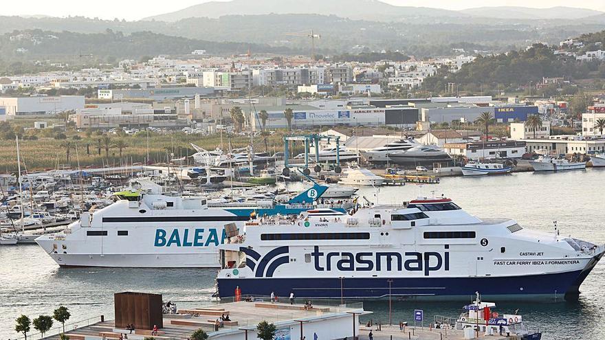 Las navieras consideran que los horarios actuales garantizan la seguridad en los puertos de Ibiza y la Savina