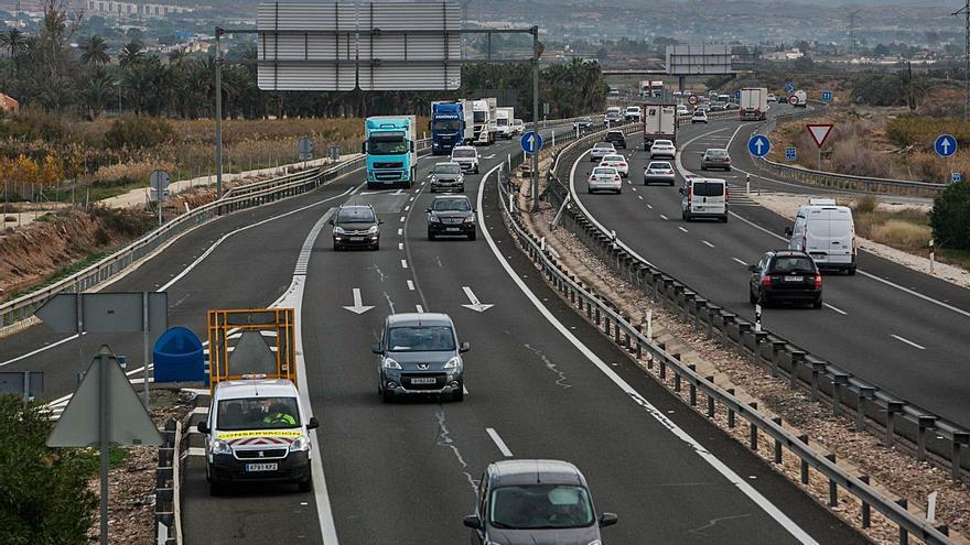Cuatro de cada diez empresas constructoras de Alicante renuncian a obras públicas al dispararse los costes