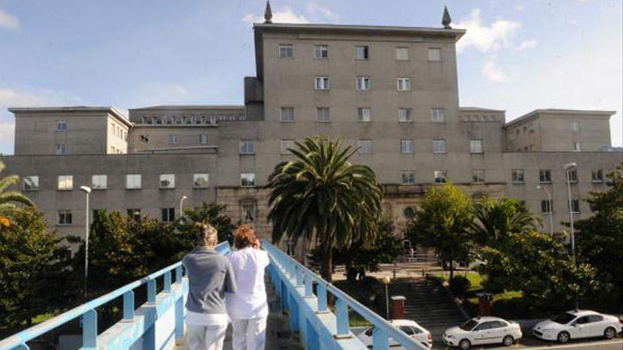 Trasladan a un niño de cinco años al hospital infantil de A Coruña tras una colisión entre dos coches en Arteixo