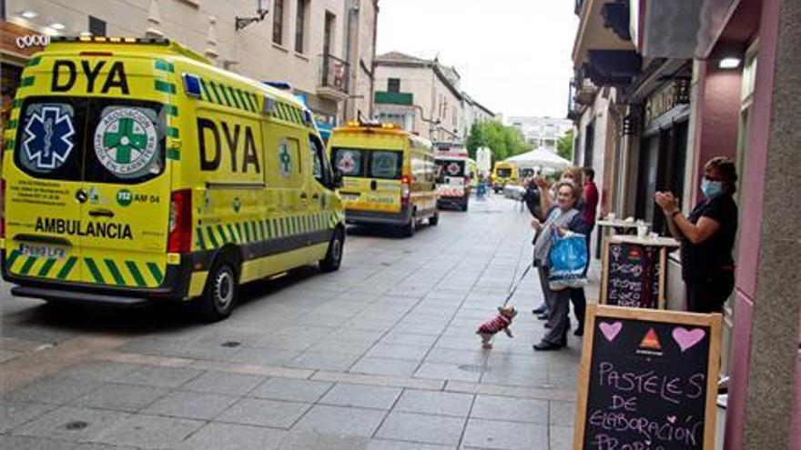 Sentido homenaje a las emergencias en Cáceres