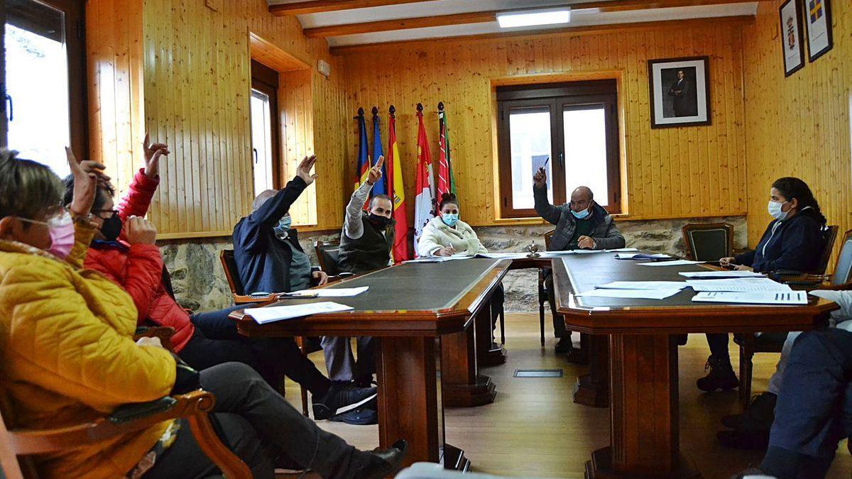 Miembros del equipo de Gobierno del Ayuntamiento de Galende