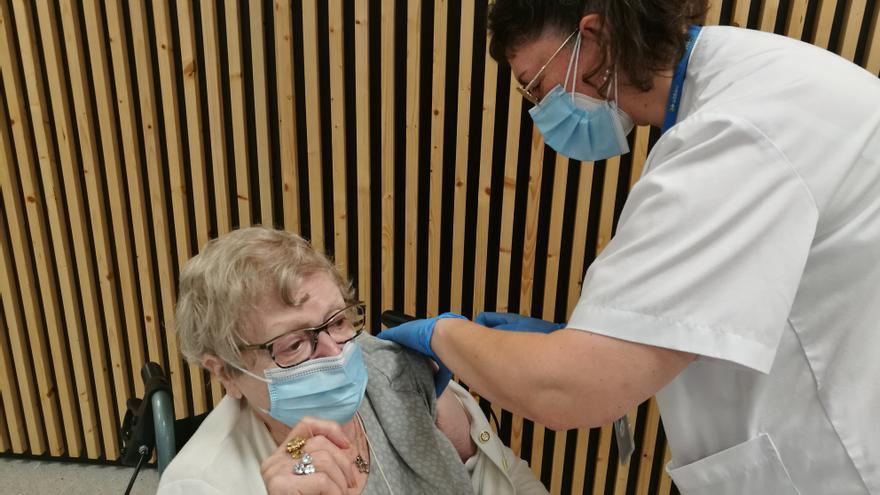 Mig miler d'ancians ja han rebut la tercera dosi de vacunació al Bages, Berguedà i Moianès