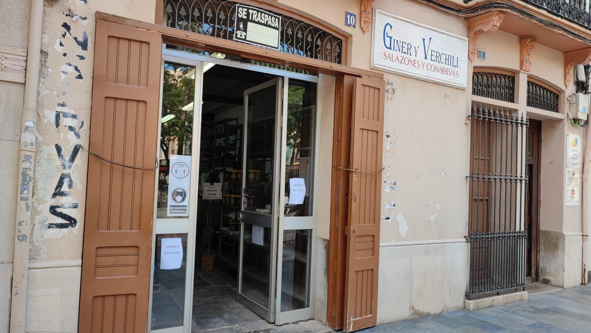 Adiós a más de un siglo de historia del comercio de Castelló