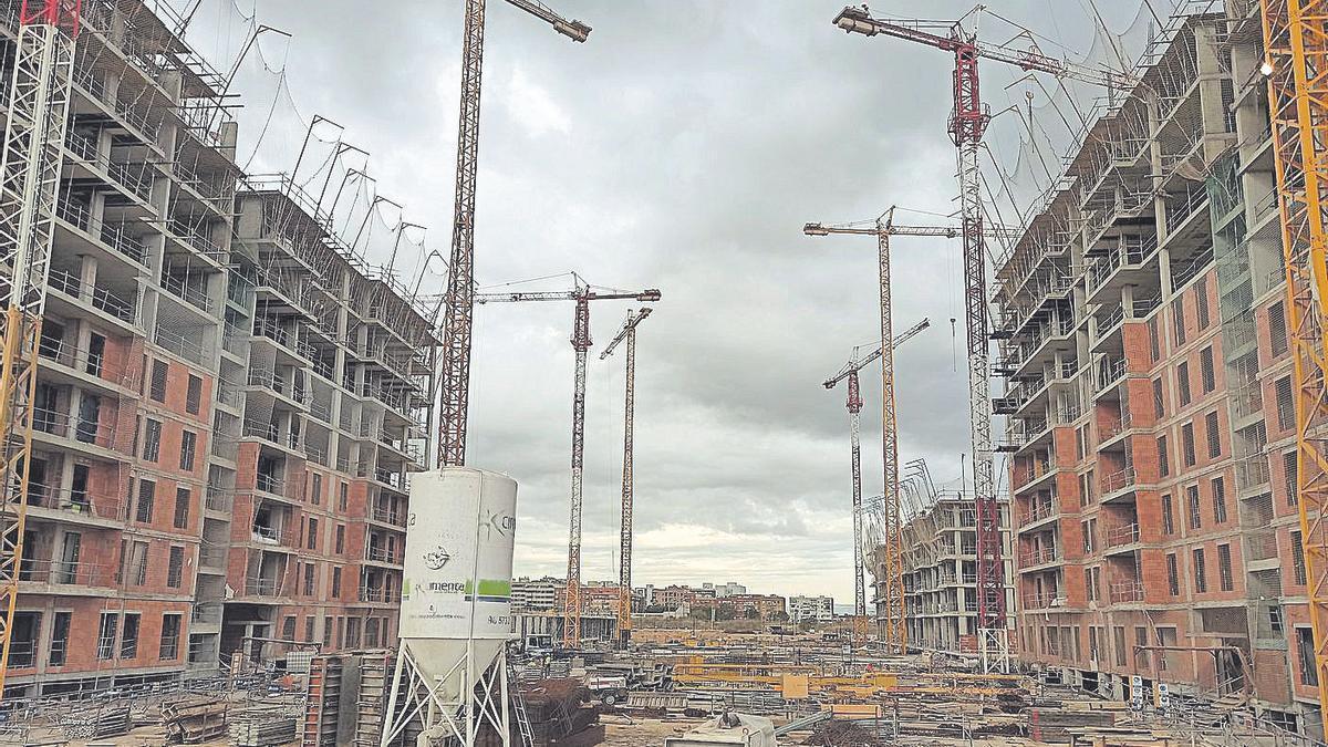 El ayuntamiento tiene pendientes de resolver 5.756 licencias de obras