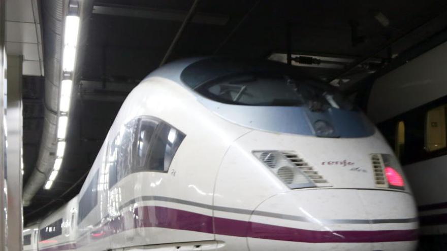 Renfe cancel·larà 46 trens dimecres per la vaga a Adif
