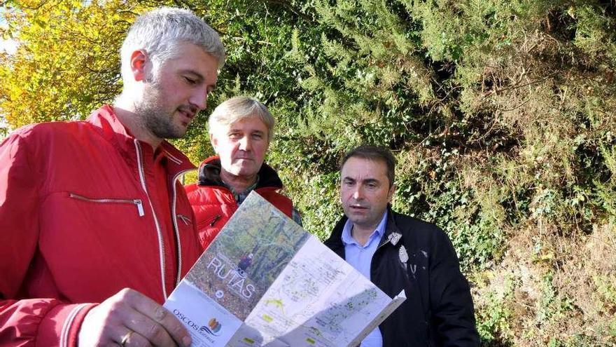 Los Oscos se unen para promocionar la oferta senderista de la comarca, con 15 rutas