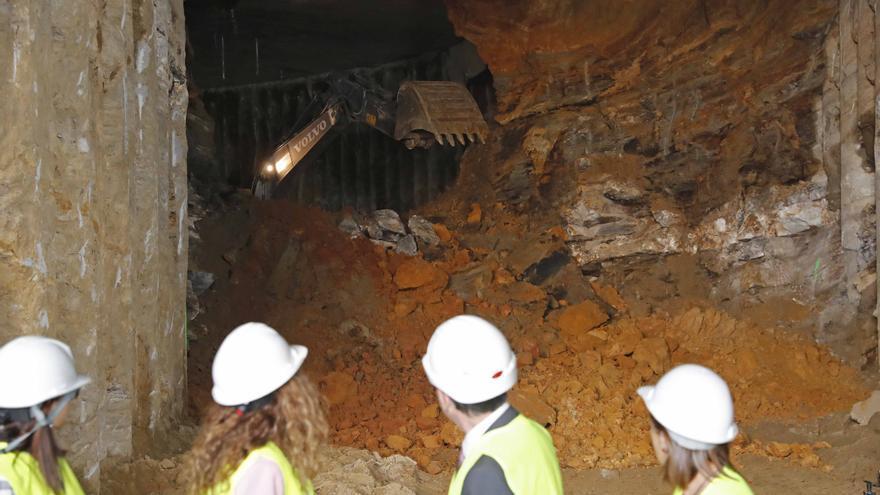Así culminaron las mordidas de la excavadora el 'reencuentro' de Vigo y la AP-9 bajo tierra desde Lepanto