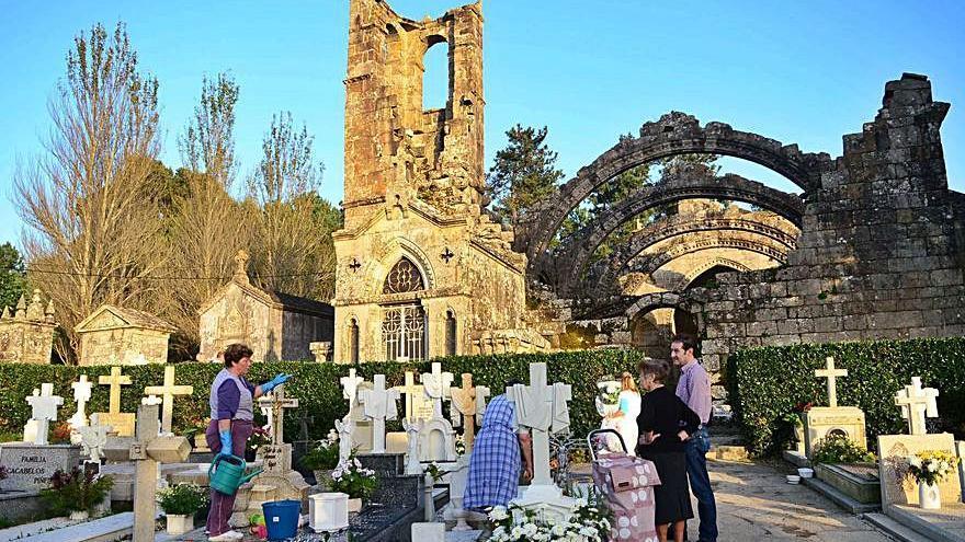 Cambados no podrá celebrar la misa de Difuntos en las ruinas de Santa Mariña