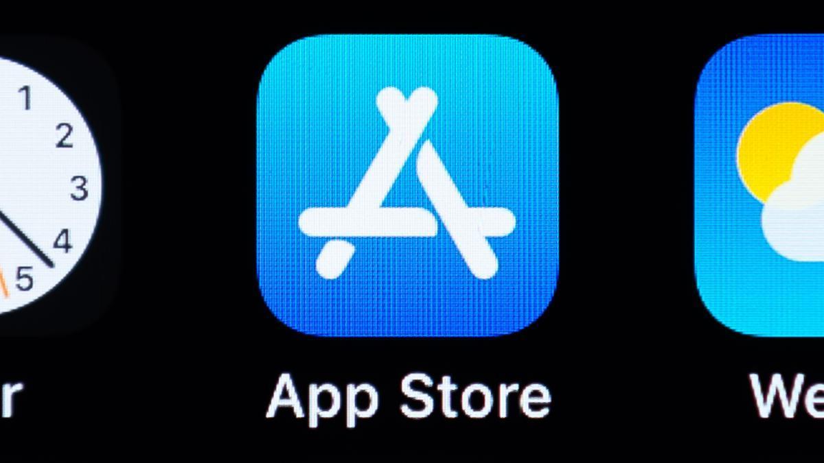 Logo de App Store en la pantalla de un iPhone.