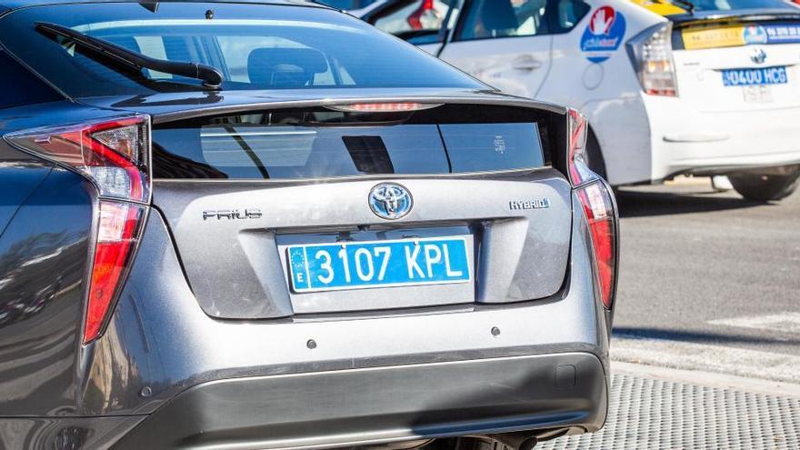 La Audiencia Nacional avala las matrículas traseras azules para taxis y VTC