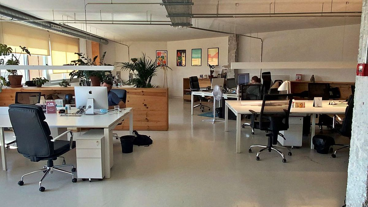 Un espai de «coworking» esperant el retorn dels professionals | ACN