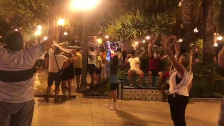 Celebración en la Glorieta del ascenso del Elche CF