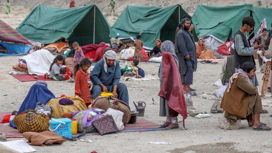 Els talibans arriben als afores de Kabul i negocien la transició de poder