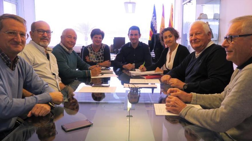 Sant Antoni explica a los vecinos afectados las medidas adoptadas tras el temporal