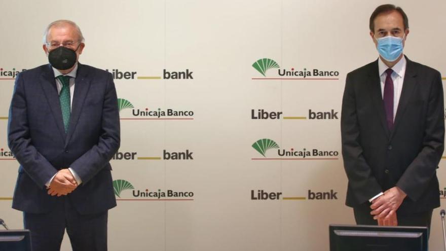 """Azuaga: """"Unicaja Banco seguirá apostando por el club de baloncesto"""""""