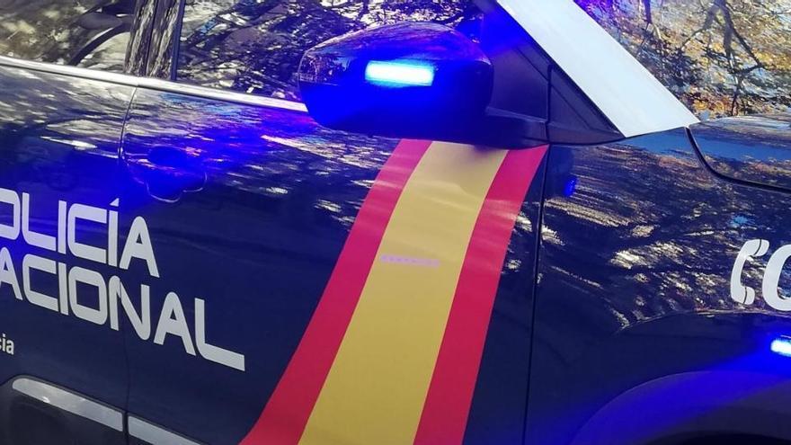 Detenidos dos policías en Madrid por abusar de una joven en un portal