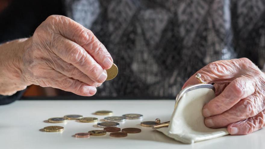 """El Gobierno usará 3.500 millones de la """"hucha"""" para la extra de las pensiones"""