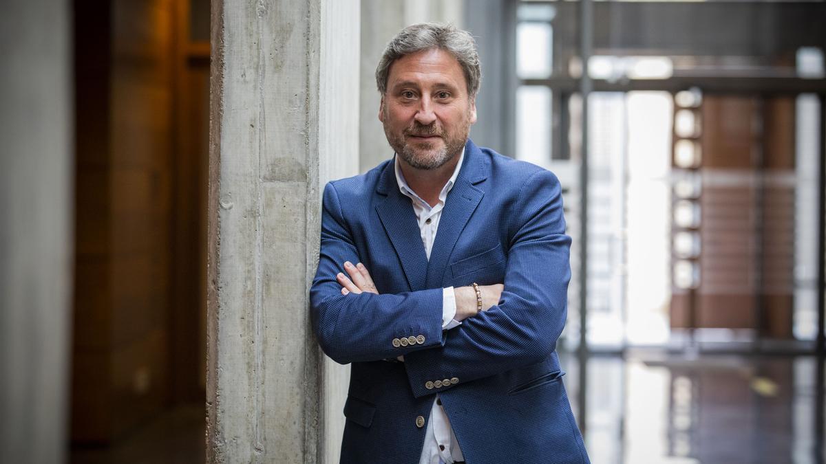 José Luis Soro, consejero de Vertebración del Territorio del Gobierno de Aragón, momentos antes de la entrevista, en el Palacio de la Aljafería.