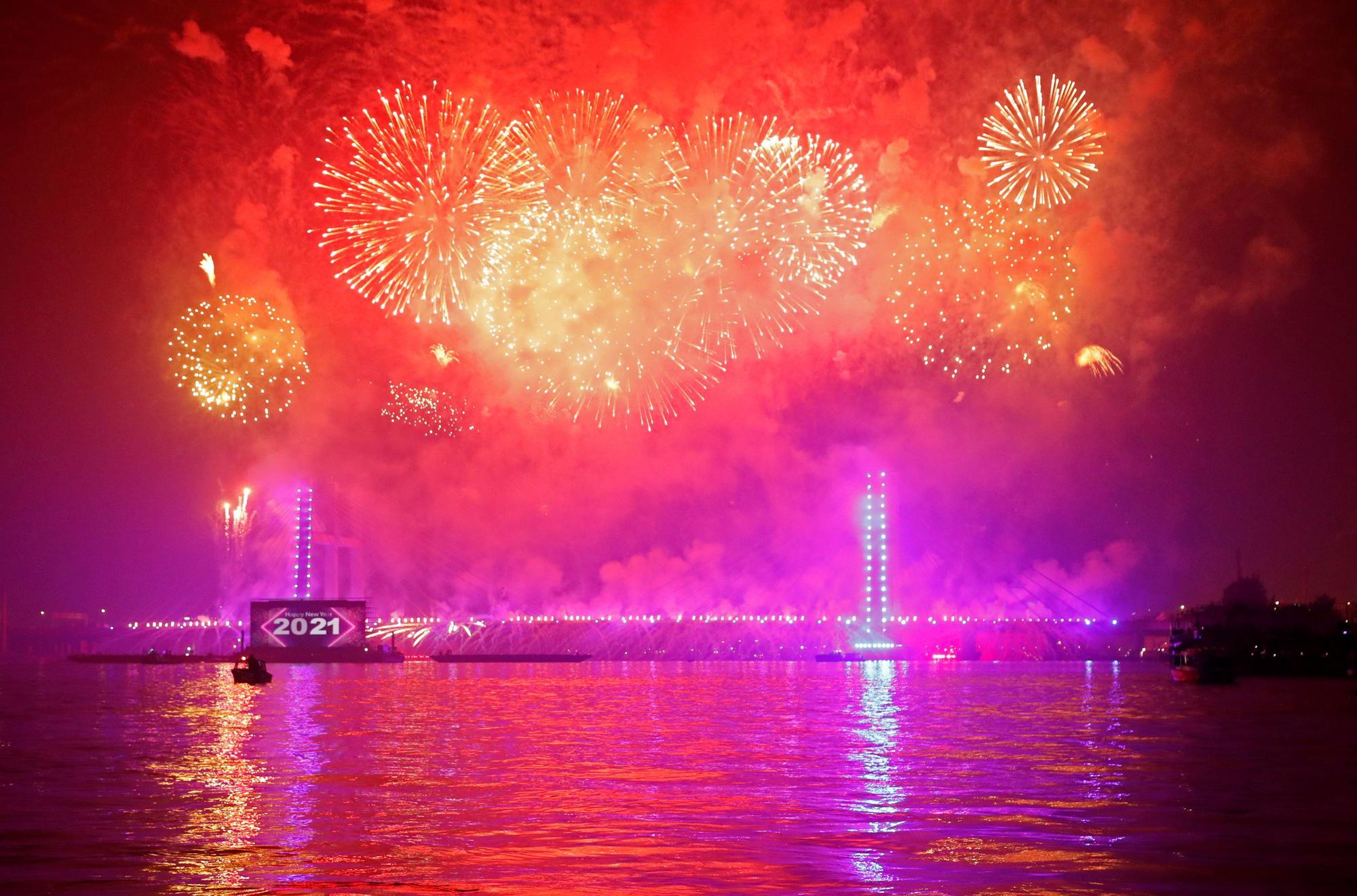 Fuegos artificiales en el mundo para recibir 2021