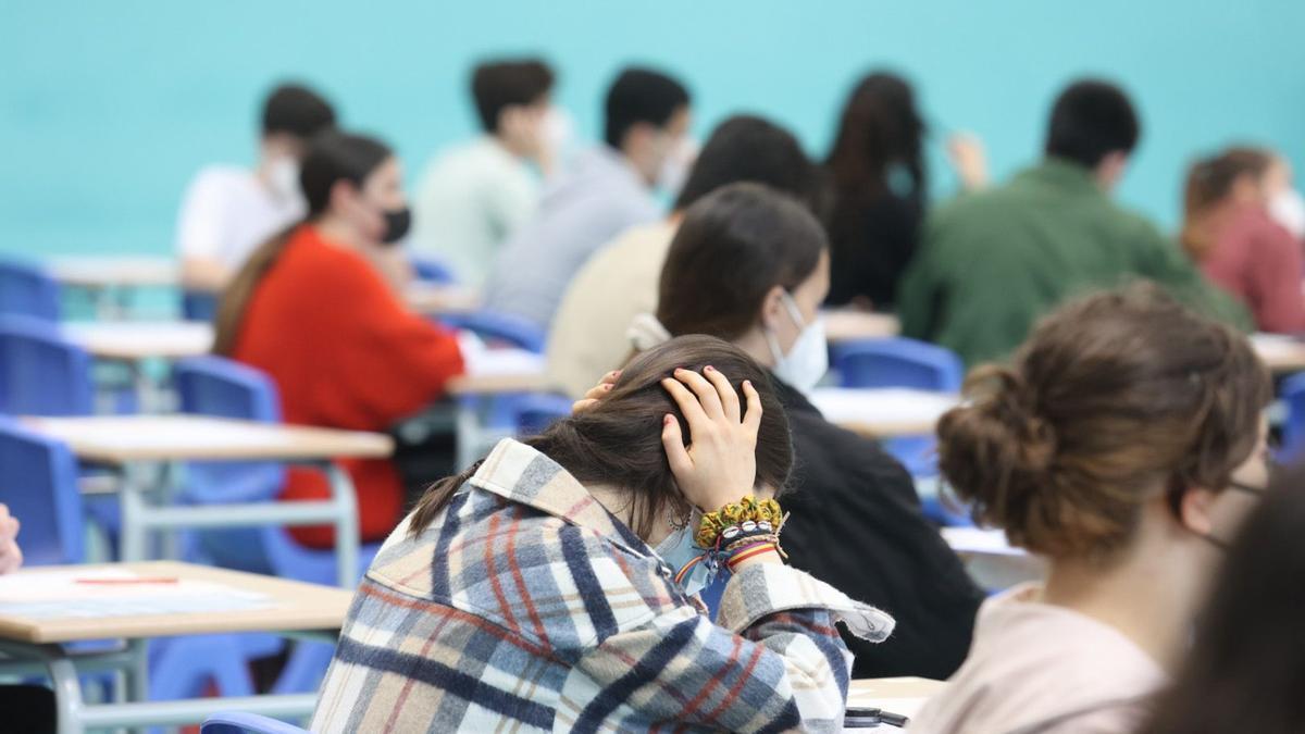 Primeros exámenes de la EBAU en Oviedo