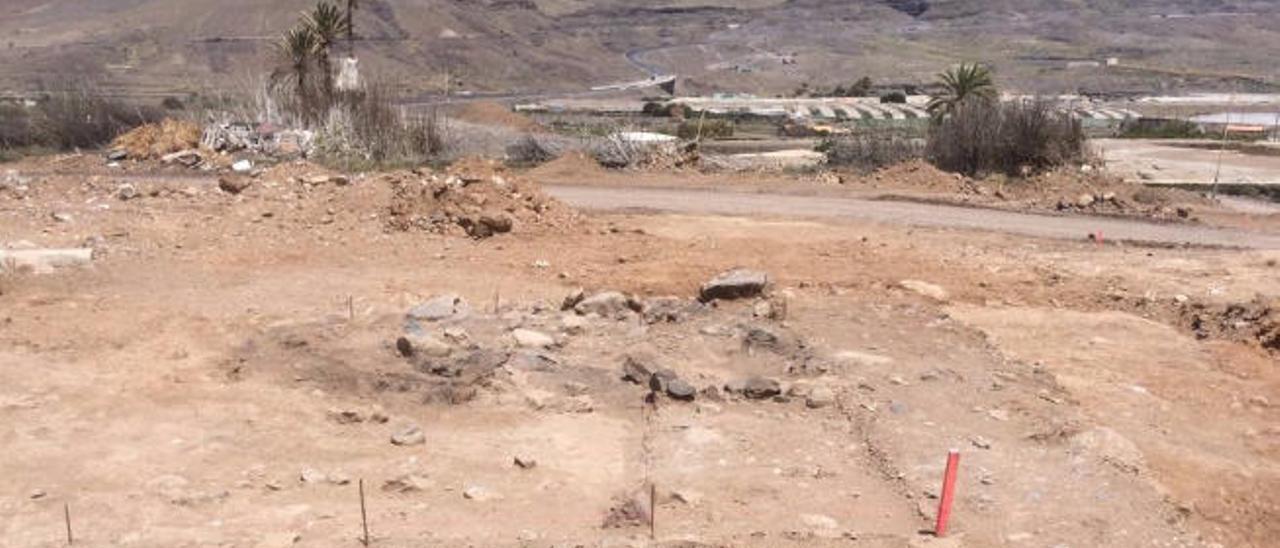 La nueva carretera de La Aldea pone al descubierto restos prehispánicos