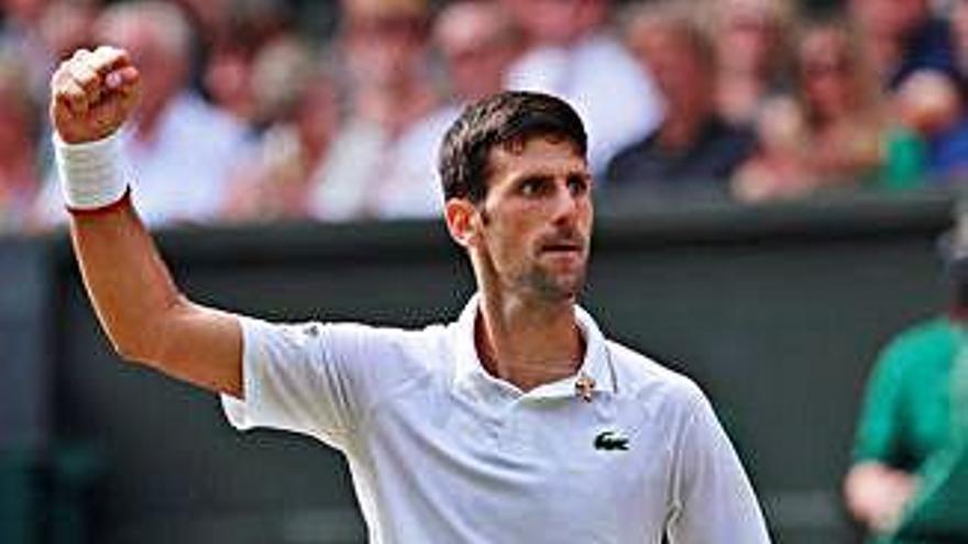 Djokovic sobreviu i tomba Federer després de 5 hores