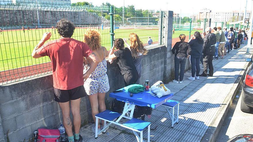 El público se mantiene fiel al rugby en Fontecarmoa