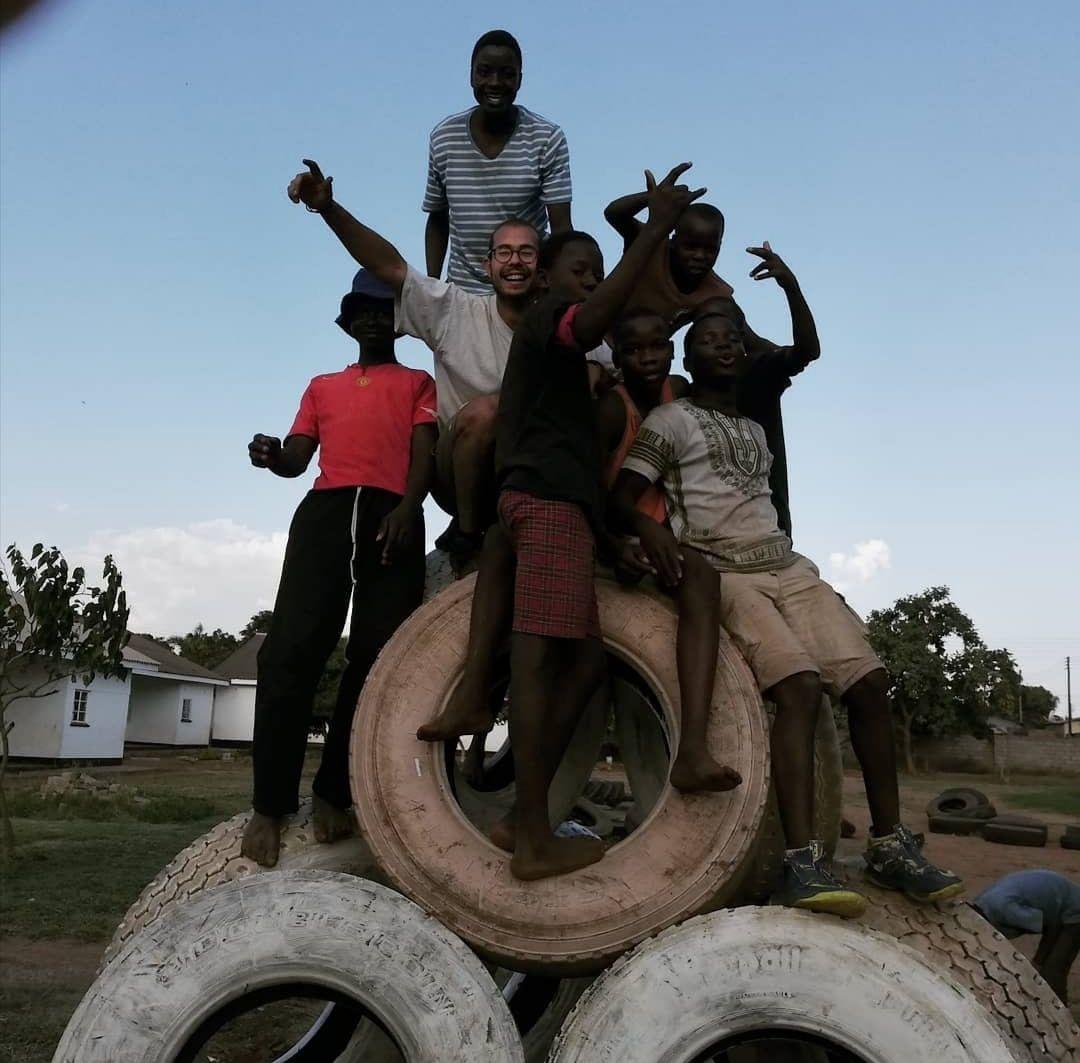 Un alumno de la UPV diseña un nuevo parque infantil para el orfanato de Chiredzi, en Zimbabue