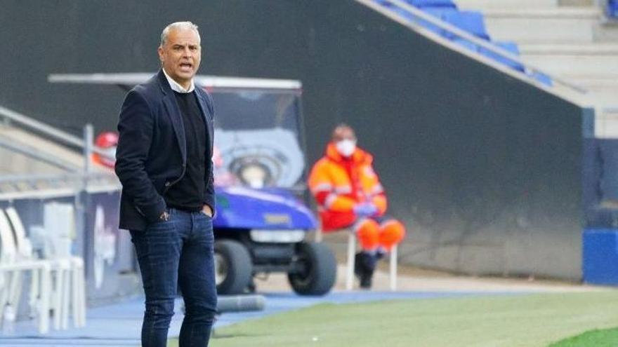 Sergio Pellicer, durante el encuentro en el RCDE Stadium.